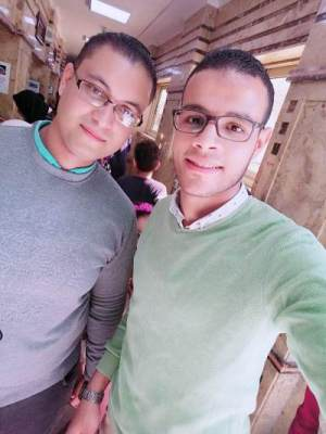 محمود درويش طالب اون لاين