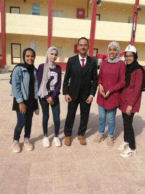 Ayman fathy  طالب اون لاين