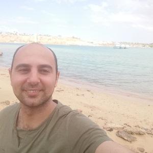 Mohamed Ahmed Azam طالب اون لاين