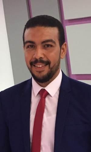 Mr Mohamed AbdelAal طالب اون لاين
