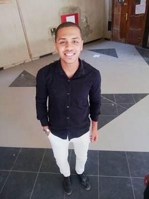 احمد عصام احمد  طالب اون لاين